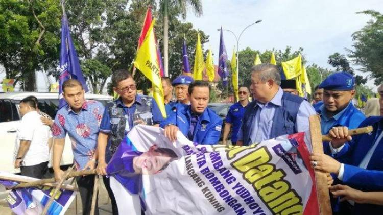 Sekjen PSI Tuding Perusakan Bendera Demokrat Untuk Jauhkan Jokowi-SBY
