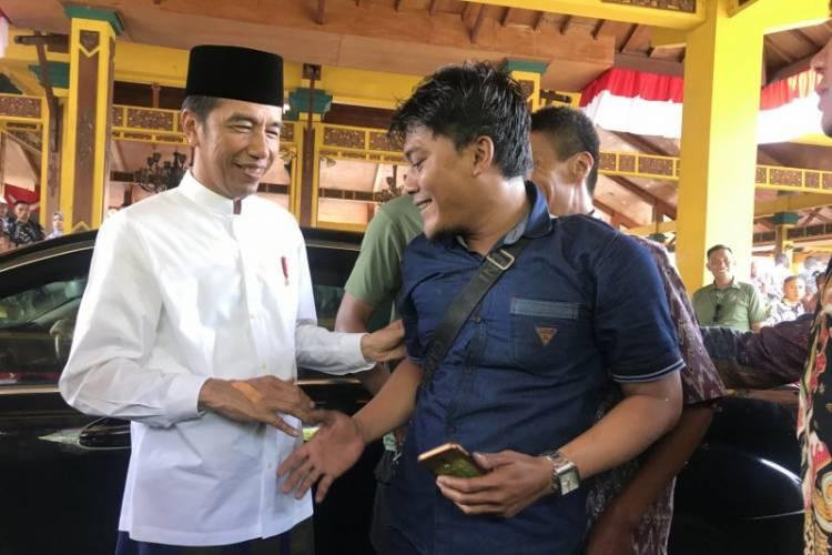 Jokowi Rasakan Sentruman Masyarakat Madura dari Salaman