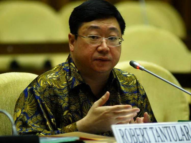 KPK Cekal Bekas Bos Bank Century Robert Tantular ke Luar Negeri