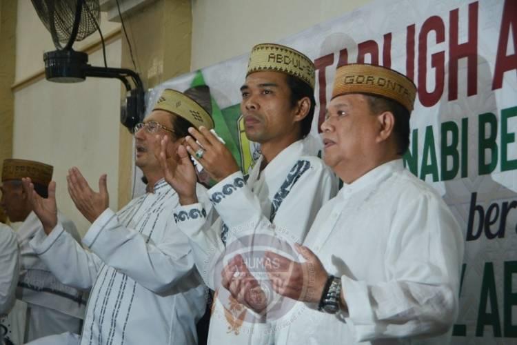 Ribuan Warga Padati Tabligh Akbar UAS di Gorontalo