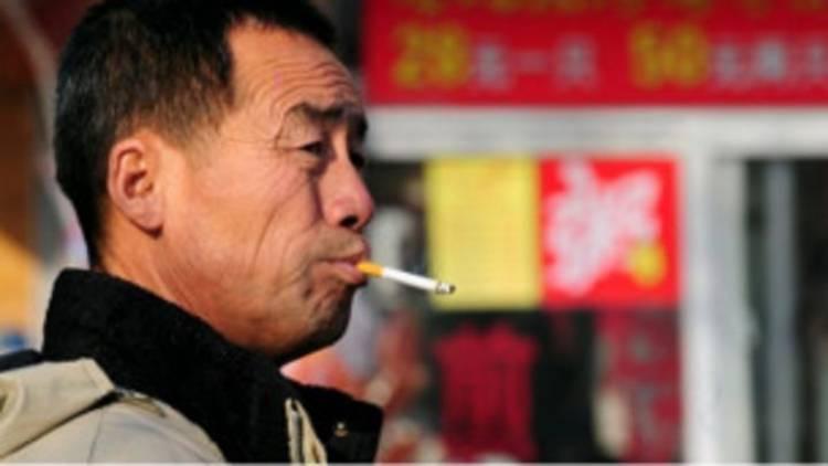 Malaysia Larang Merokok di Restoran Per 1 Januari, Ini Hukumannya...