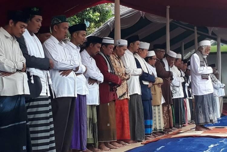 Ma'ruf Amin Sholat Gaib dan Tausyiah di Banten