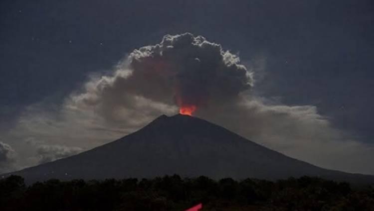Gunung Agung Meletus, Begini Kondisi Bandara Bali