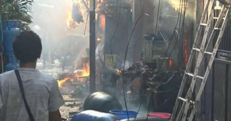 Puluhan Rumah Terbakar di Tambora