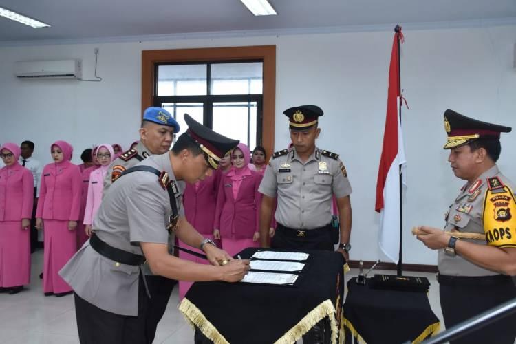 Dua Pejabat Utama Polda Jambi Sertijab