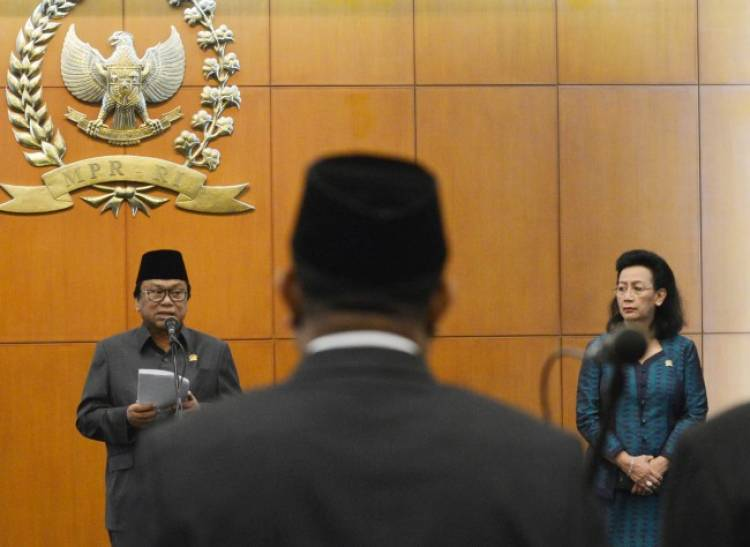 Jokowi Dorong Hemas Daftarkan Konflik Dualisme Pimpinan DPD ke MK