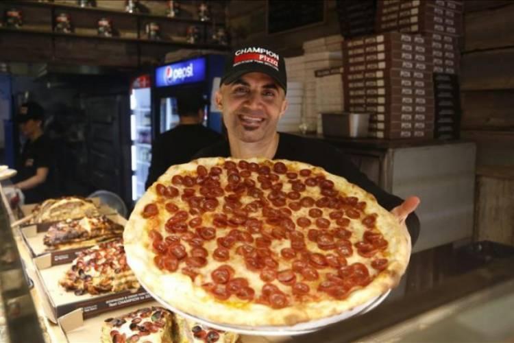 Pembuat Pizza Turki Diberi Penghargaan Karena Jadi Imigran Sukes