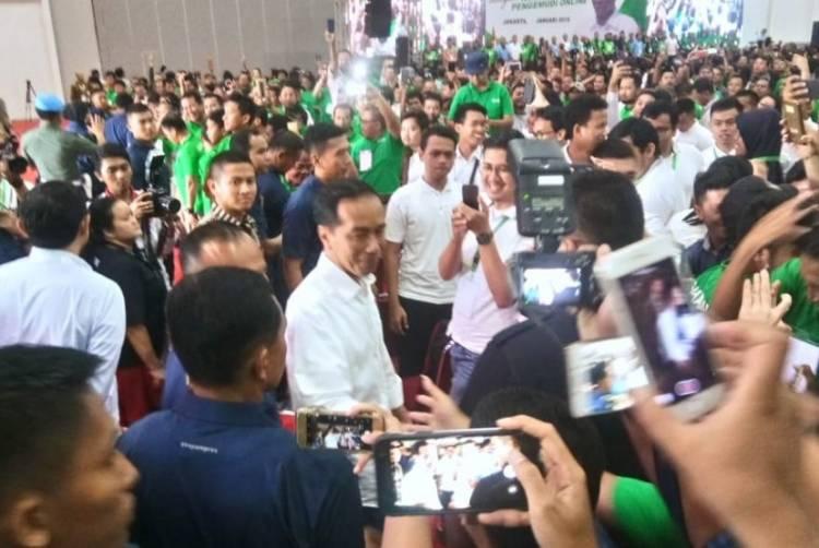 Jokowi: Saya Marah dan Jengkel Pengemudi Transportasi