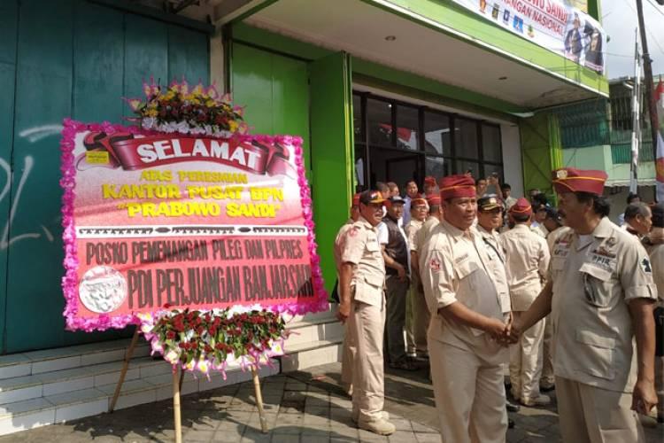 Posko BPN di Solo, Sandi: Sambut Baik PDIP Kirim Karangan Bunga Selamat