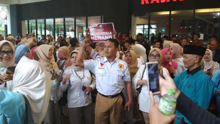Gabungan Relawan Teriakkan Yel-yel Prabowo-Sandi