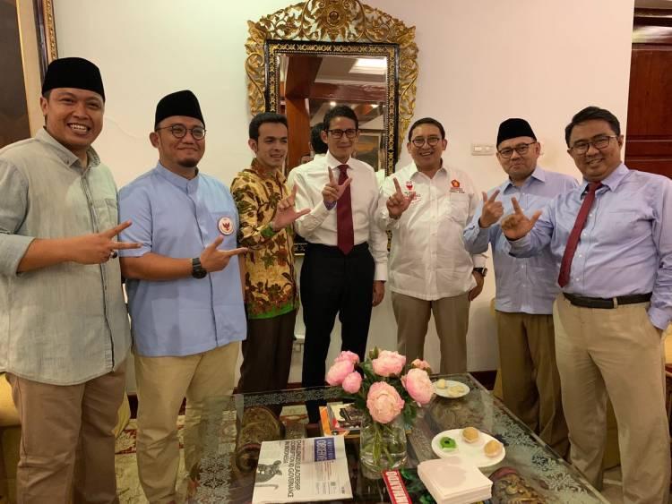 Sandiaga Buka Puasa dan Salat Maghrib Berjamaah di Kediaman Prabowo