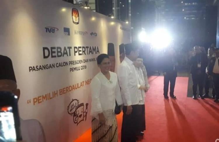 Maruf Amin Gunakan Sarung Saat Debat