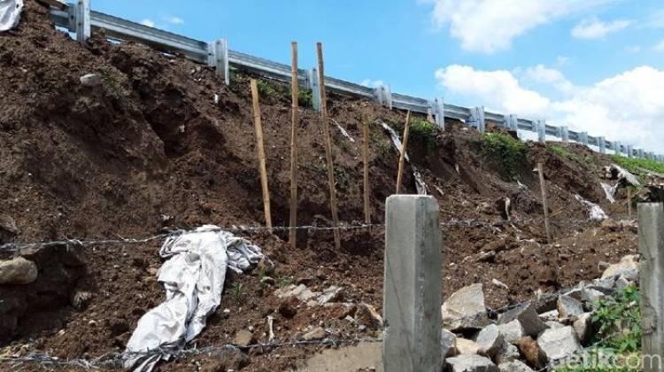 Belum Sebulan, Ruas-ruas Tol Trans Jawa Rusak