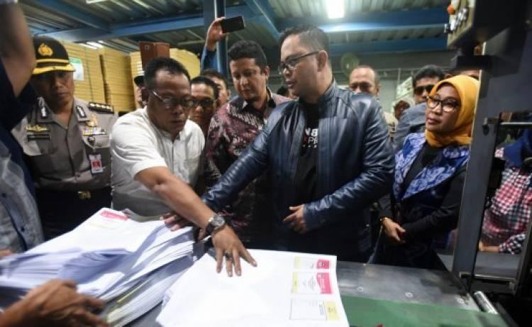 Prioritaskan Papua, KPU Tinjau Pencetakan Surat Suara di Makassar