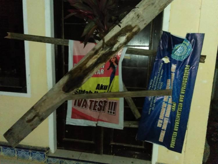 Kantor Kades Lubuk Tenam Bungo Jambi Disegel, Warga Tuntut Mundur Rio