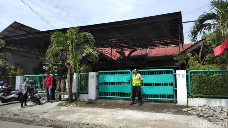 Satgas Geledah Rumah Mantan Komite Eksekutif PSSI