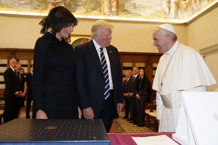 Soal Program Donal Trump, Paus Sebut Ketakutan Pada Imigran Membuat Jadi Sinting