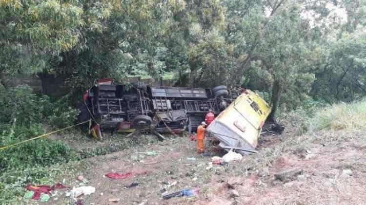 Jasa Marga Evakuasi Korban Kecelakaan Maut Tol Cipularang
