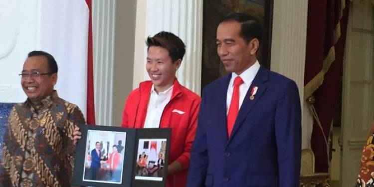 Gantung Raket, Jokowi: Indonesia Kehilangan Butet dan Segera Jadi PNS