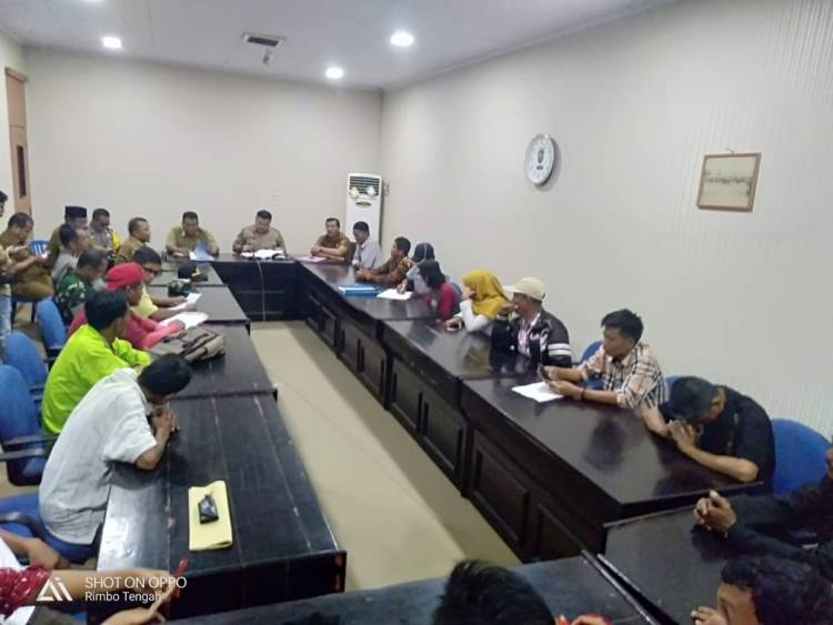 Warga Limbur Setuju Mediasi, Namun Kades/Rio Najamudin Harus Mundur