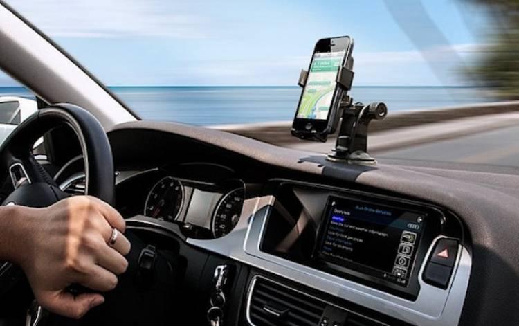 Teng!! MK Tegaskan Soal Larangan Penggunaan Ponsel Saat Berkendara