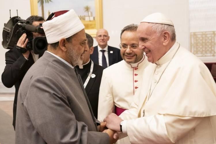 Jumpa Paus, Imam Besar Al-Azhar Minta Muslim 'Rangkul' Umat Kristiani