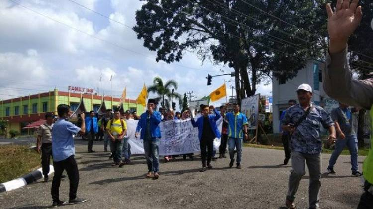 Gerah Soal Pungli, Mahasiswa Ancam Demo Samsat Merangin