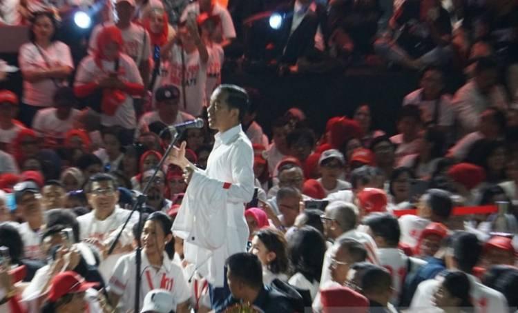 Jokowi: Memang Kadang-kadang Pahit, Tapi Percaya Infrastruktur Itu Penting