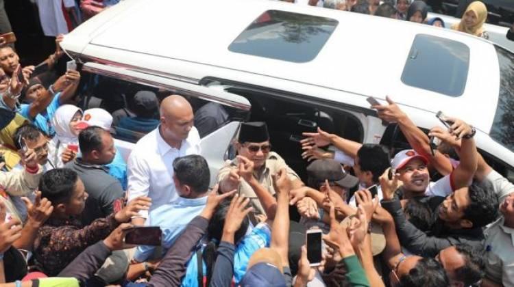 Meski Takmir Sempat Keberatan, Kader Gerindra Sambut Kedatangan Prabowo di Masjid Kauman