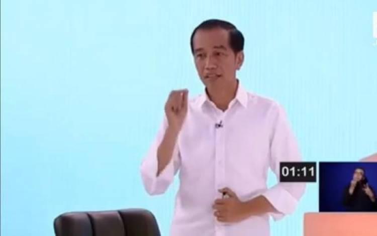 Jokowi: 191 KM Jalan di Desa dari Dana Desa