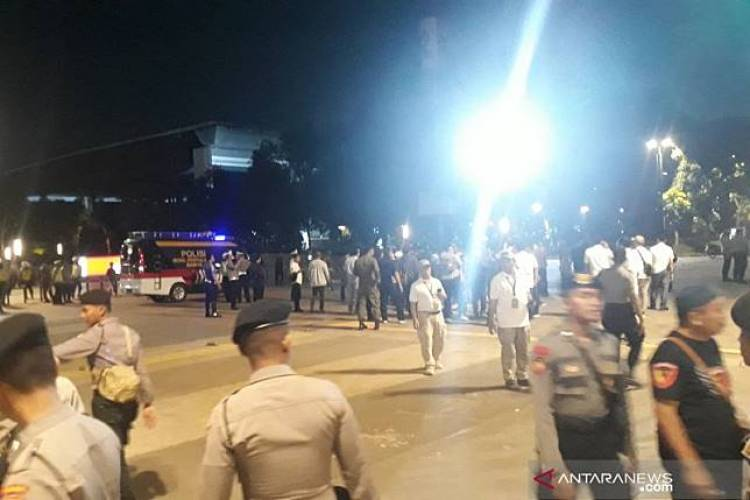 Bunyi Ledakan, Warga Diminta Jauhi Lokasi Ledakan di Parkir Timur Senayan