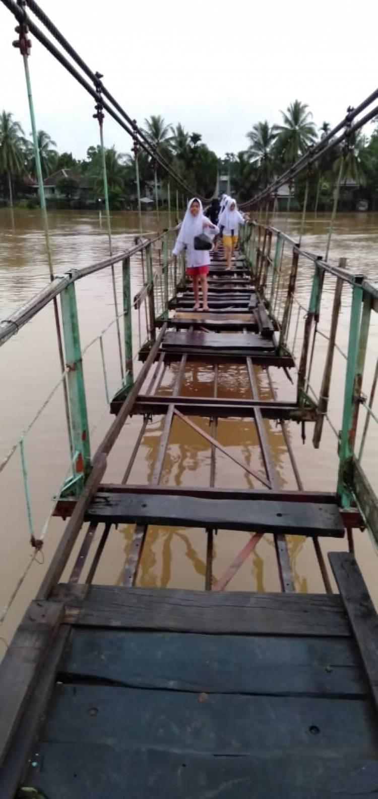Pak Bupati, Kondisi Jembatan Mandiangin Tuo Memprihatinkan