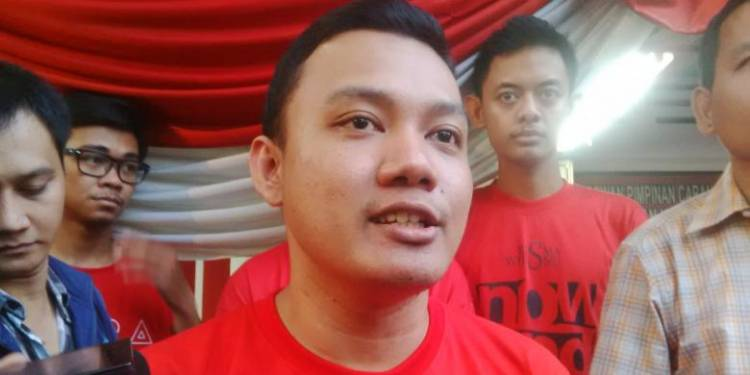 Putra Sulung Risma Usut Penyebar Video Hoaks Mobilnya Dirusak Massa