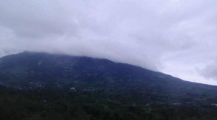 Gunung Merapi Luncurkan Awan Panas Guguran 1.200 Meter