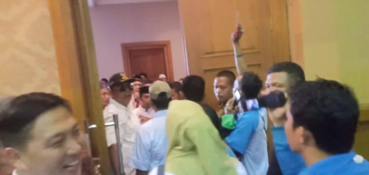 EMOSI, Ritas Mairiyanto: Masa Kader Dilarang Masuk!