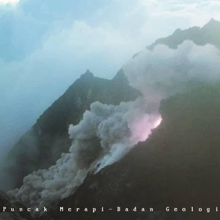 Gunung Merapi Luncurkan Awan Panas Guguran 134 Detik Jumat Sore