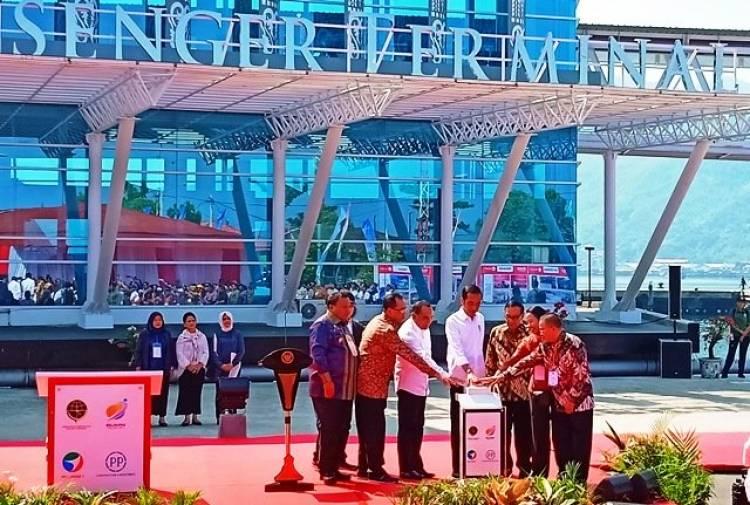 Resmikan Pelabuhan Sibolga, Jokowi: Saya Datang Kesini Dulu Banyak Lubangnya, Kini Kok Mulus Sekali