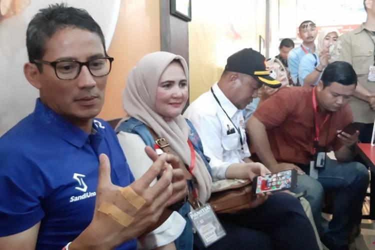 Sandiaga Uno Sarapan Bareng Media di Kalbar, Cerita Soal Rocket Chicken