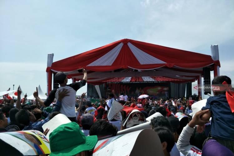 Ditemani Megawati, Jokowi Kampanye Terbuka di Cirebon