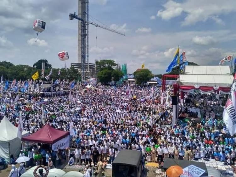 Kampanye di Solo, Massa Minta Titiek Rujuk dengan Prabowo