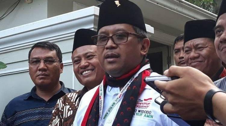 Hasto: Pak Prabowo dan Sandi Ahli Kritik, Tapi Tidak Punya Program Otentik