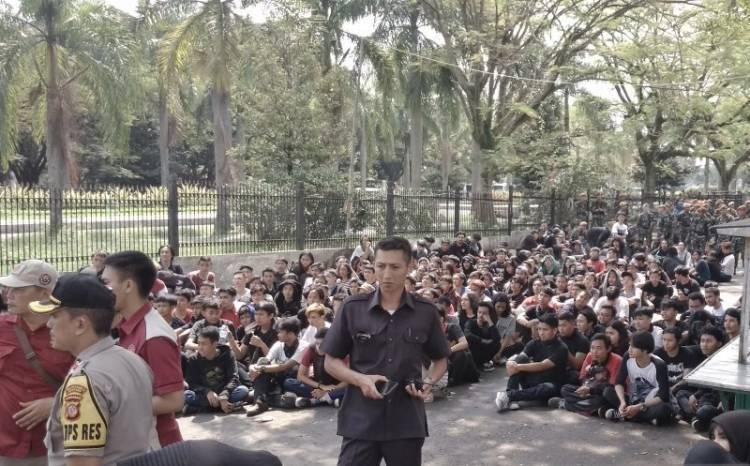 Polisi Amankan Aksi Vandalisme Massa Tak Dikenal di Bandung