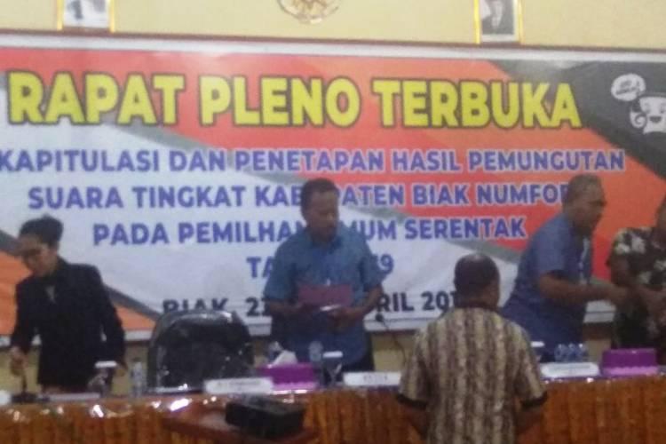 KPU Biak Tetapkan Jokowi-Ma'ruf Amin Raih 65.663 Suara, Prabowo-Sandi Hanya Segini