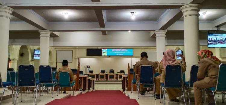 Rapat Paripurna DPRD Sarolangun Molor, Dewan Kemana?