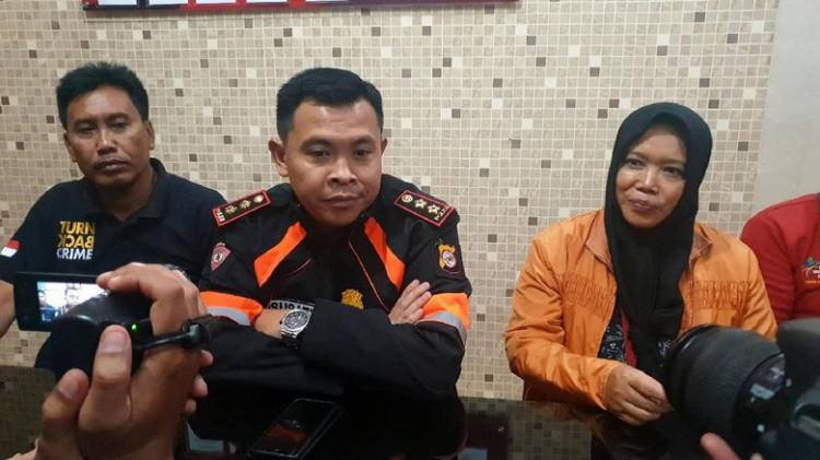 Dituduh Perekam Video Penggal Jokowi, Akun Agnes Diserbu Netizen
