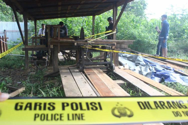 Mabes Polri Gerebek Illegal Logging di Bayung Lincir, Mengejutkan Ini Temuannya…