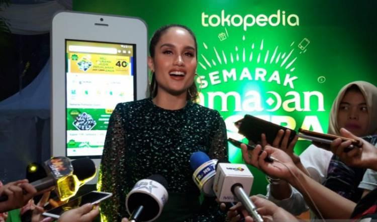 Cinta Laura: Dua Minggu Pertama Aku  Ramadhan di Indonesia, Puasa Lebih Gampang