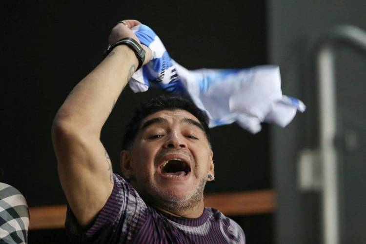 Berselisih Dengan Mantan Pacar, Maradona Ditangkap di Bandara