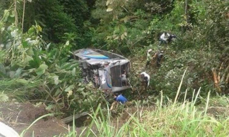 Bus Masuk Jurang di Kelok 28 Sumbar, Belasan Penumpang Terluka