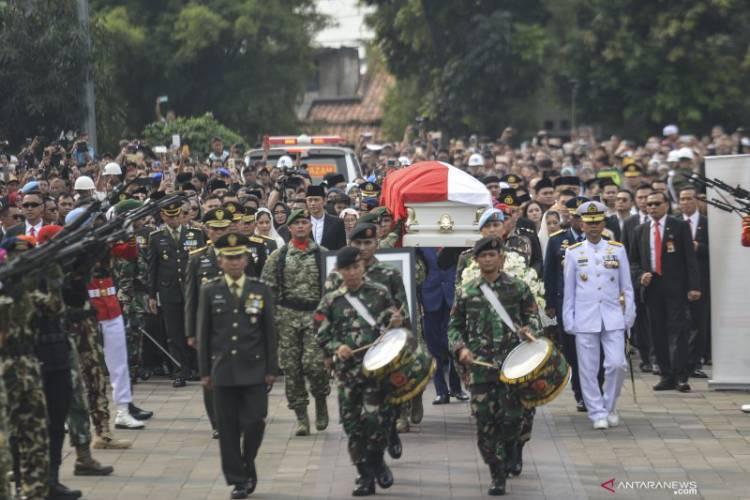 Trending #Selamat Jalan Ibu Ani Yudhoyono di Twitter